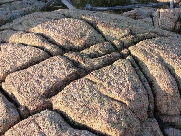 Broken Rock DSC00135