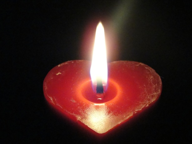 Heart Candle Flame DSC01573