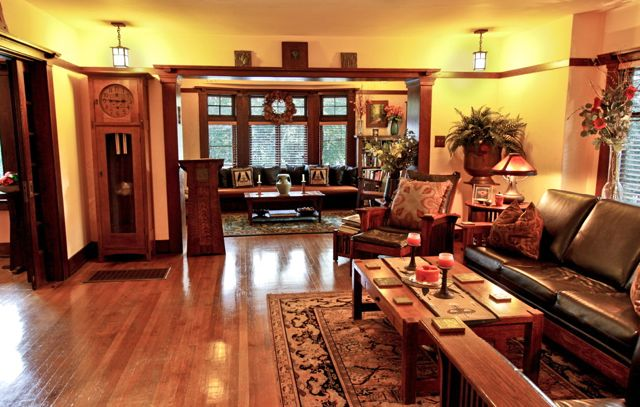 Craftsman Style Interior Photo by Emack2020JPEG Via Creative Commons.