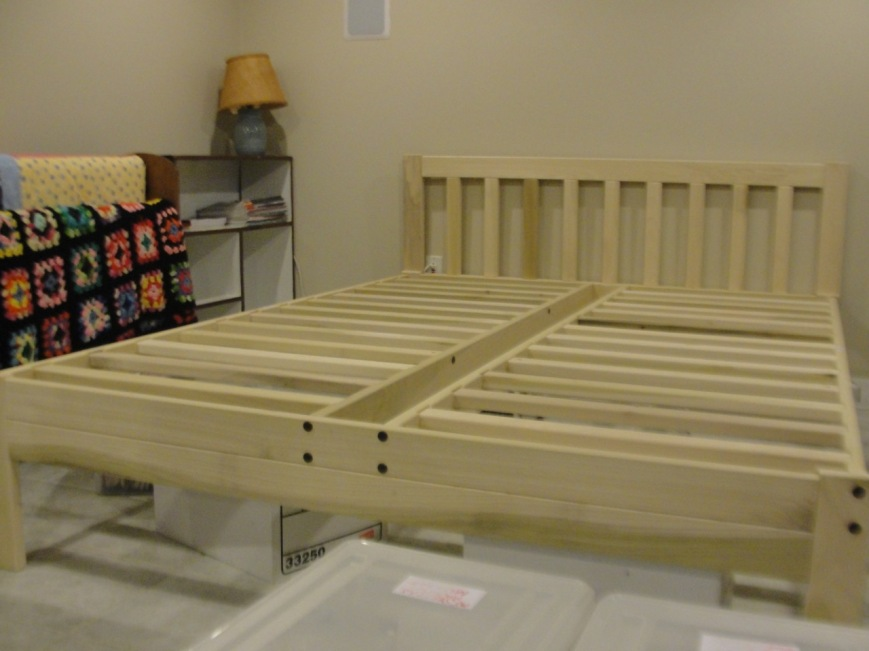 Bed for guests & storage