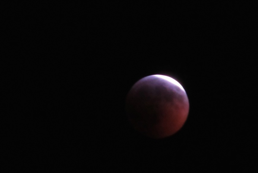 Lunar Eclipse almost full – Version 2