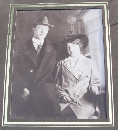 John & Yvonne Hochreiter 1916